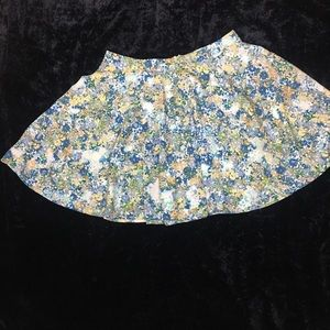 FOREVER 21 MINI CIRCLE SKIRT SIZE M